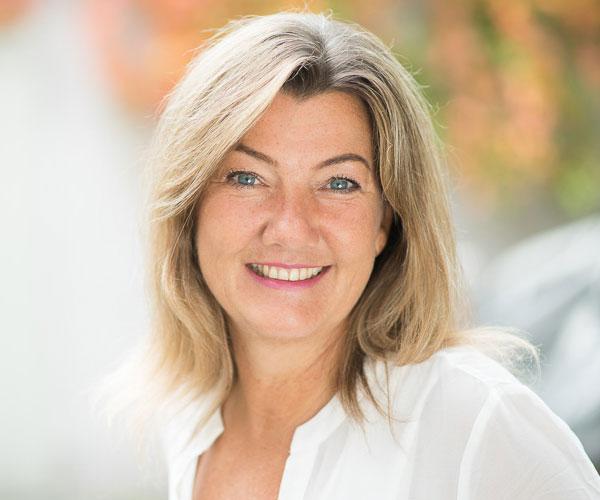 Lara'Marie Obermaier, Schamanin für klassische schamanische Energiemedizin und für Fieldhealing Frequenzmedizin